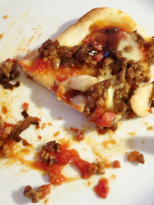 Trozo de pizza barbacoa